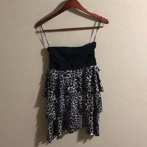 Dresses & Skirts - Express strapless dress